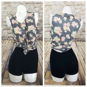 Floral sleeveless tank top size small